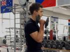 Kladivový bicepsový zdvih