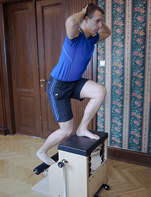 Cvičení na stroji Pilates chair