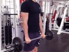 Bicepsový zdvih nadhmatem