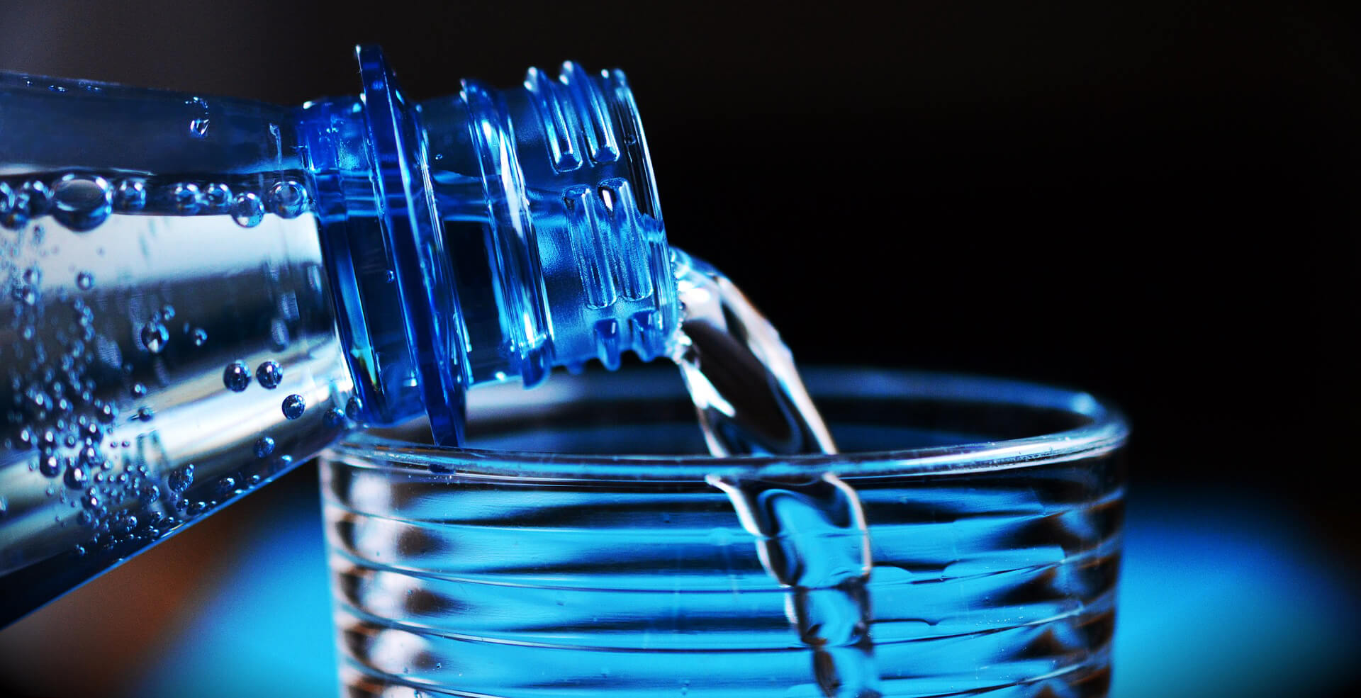 Pití vody při cvičení