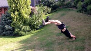 Výskok z lehu akrobatika