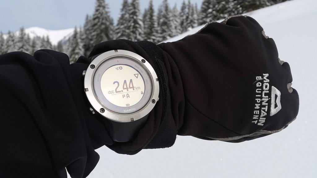 Sportovní hodinky na horách