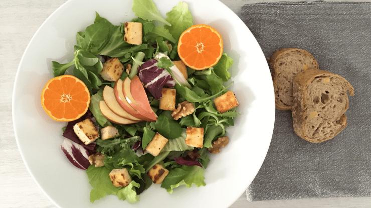 Vegetariánský salát s tofu